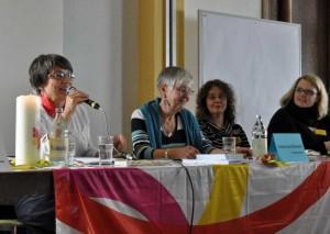 von links nach rechts: Diözesanvorsitzende Gabriele Heinz, stellvertretende Bundesvorsitzende Irmentraud Kobusch, Diözesanreferentin Annette Bauer und Geistliche Leiterin Marina Hilzendegen