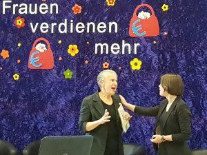 """auf dem Foto von l.n.r.: Kabarettduo """"Petzzicato"""" mit den beiden kfd-Frauen Annette und Felicitas Peetz"""